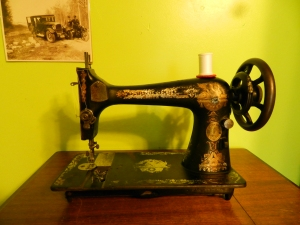 The 1902, looking a little shinier. The bobbin winder is taken off.